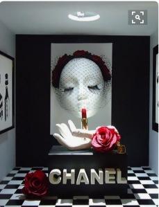 Visite kaart etalage Chanel