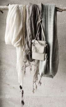 Sjaals aan een hangstok