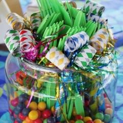 toeters met bestek en snoepjes