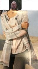 NA : Elegant , vrouwelijk , klassiek casual , rechte belijning