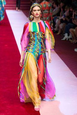 Fashion week 2018 rainbouw Dolce Gabbana