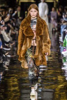 Trend-nepbont-look fall-winter 2018-19 @harpersbazaar
