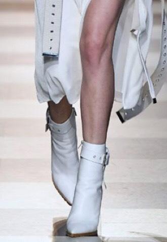 witte laarzen trend 2018-2019